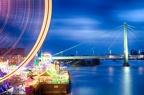 Riesenrad von der Deutzer Brücke - im Hintergrund die Severinsbrücke.
