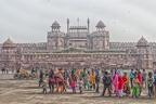 Die Hauptansicht des roten Forts in Delhi (es gibt noch eines in Agra, dazu dann später). Aufgrund des enormen Smogs in Delhi war hier nicht wirklich was schönes raus zu holen. Ich habe mich mich für eine Verarbeitung als Augenkrebs-Bild entschlossen ;)
