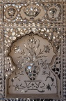 Im Sheesh Mahal sind die Wände mit spiegeln verziert
