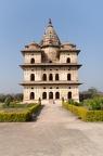 Orchha beherbergt viele Kenotaphe. Ehrengräber / Leergrab. Es wurde an der Stelle der Feuerbestattung wohlhabener Hindus gebaut.