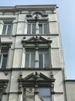 Das Haus ist von 1888, dem Drei-Kaiser-Jahr. Abgebildete von oben nach unten:Kaiser Wilhelm II.Friedrich III.Wilhelm I.